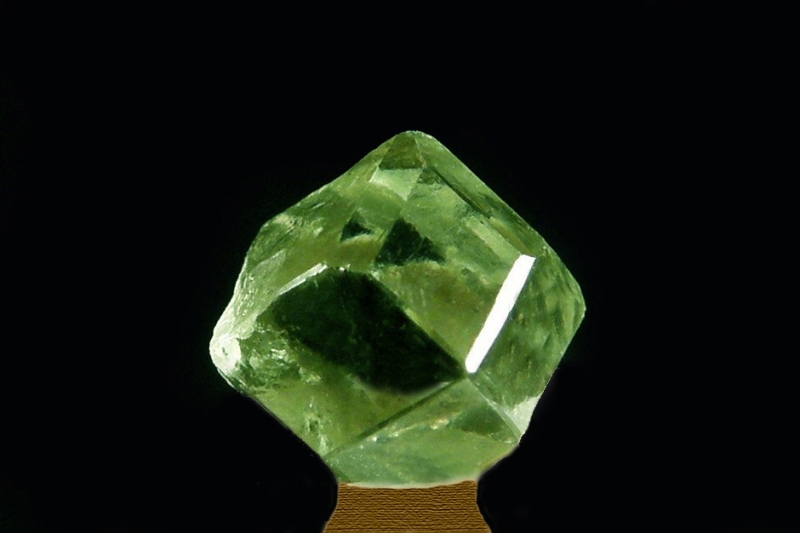 Andradit (var. Demantoid)