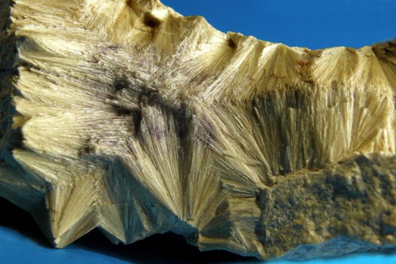 Karfolit