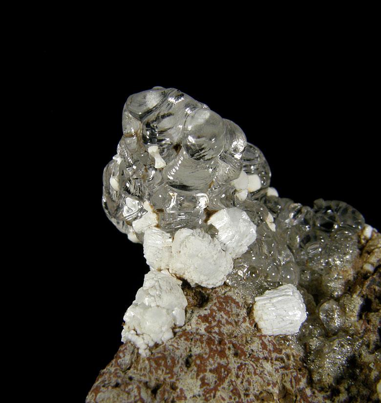 Opál (var. Hyalit), Fluorapatit