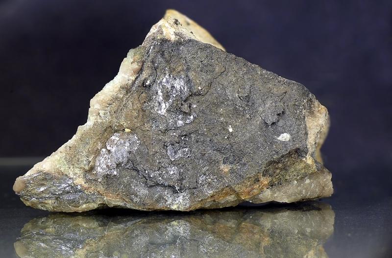 Kamiokit, Molybdenit