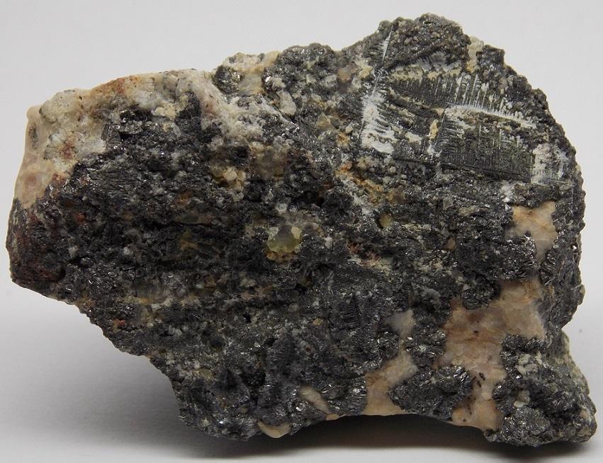 Rammelsbergit, Skutterudit, Safflorit